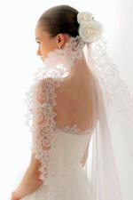 Veils with lace
